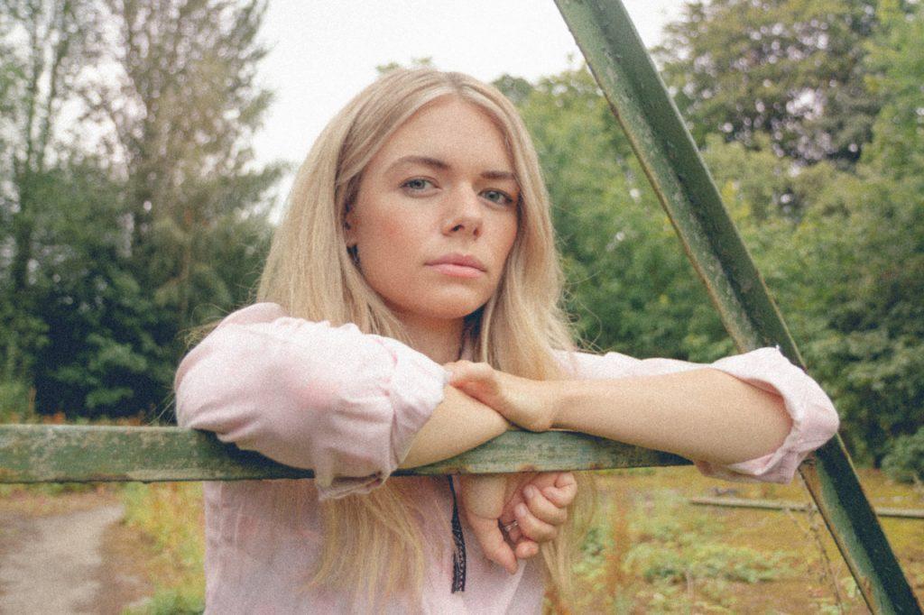Chloe Foy Image